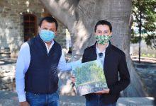 Photo of Reciben espacios culturales, libro de árboles notables editado por la Semaedeso
